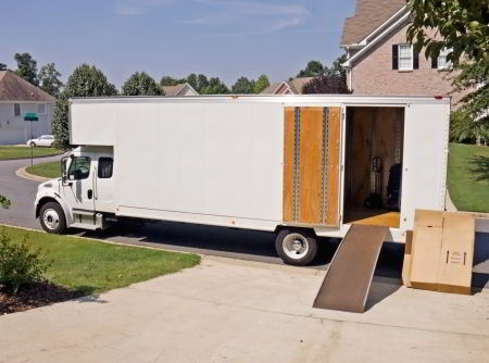 long distance moving truck unloading